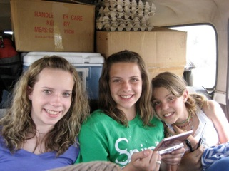 Rachel, Nicole and Hannah all crammed in the car and headed down to Langano. They jabbered the entire ride!